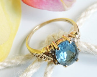 Blue Topaz 14K Gold Ring Size 8.5
