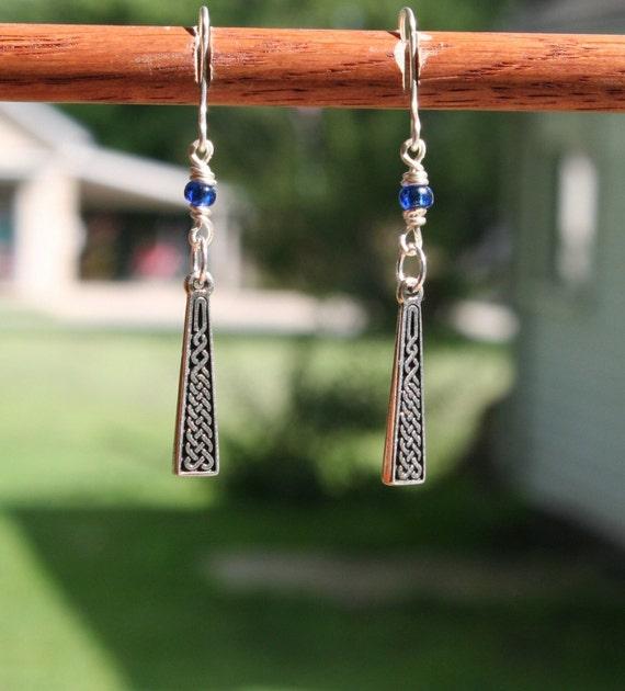Sterling Silver Celtic Knot Earrings (bb)