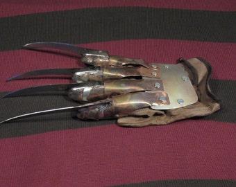 A Nightmare on Elm Street Freddy Krueger Glove