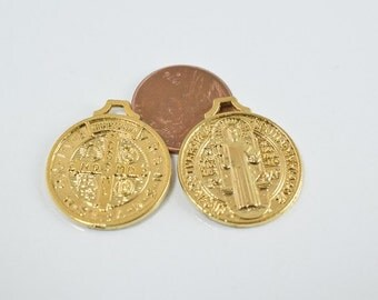 22mm Saint Benito 18k Gold Filled Charm GF4102
