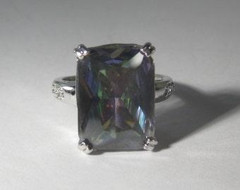 Beautiful Sterling Silver Mystic Quartz Gemstone Ring Size 9