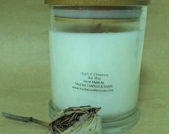Soy wax candle with wooden wick in solid glass jar with wooden lid 825gms
