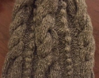 Slouchy cabled beanie