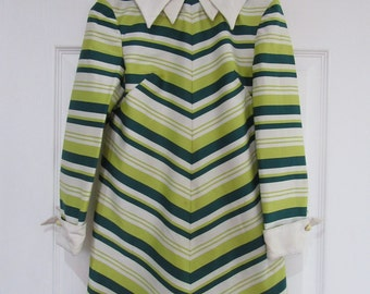 1970s Green and White Diagonial Stripped Dress