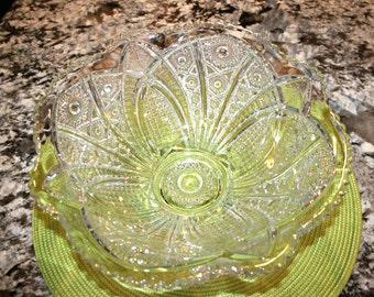 Petal & Starburst Bowl//Scalloped Sawtooth Rim//Vintage EAPG Bowl