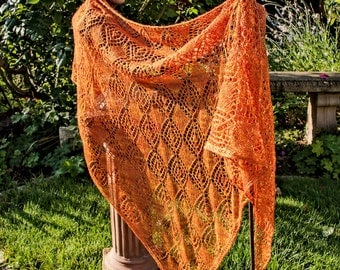 """Scarf """"Golden Autumn"""" in victorian diamond pattern"""