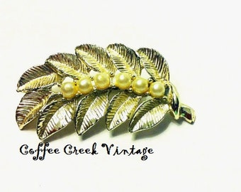 Vintage Booch-Gold Leaf and Pearls