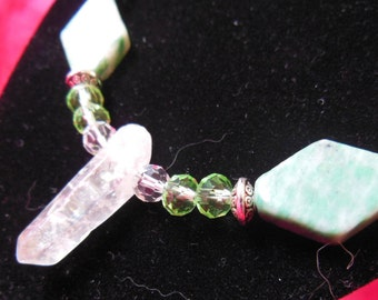 Green agate and crystal necklace with pendant