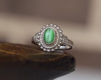 Green Tigers Eye Silver 925 Vintage Boho Solitaire Ring, US Size 9.0