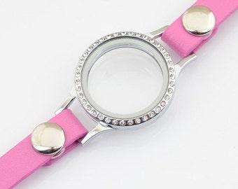 Floating charm bracelet