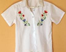 Girl's flowers satin stitch white blouse  Floral embrodery top White Blouse