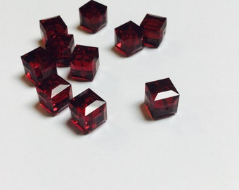Swarovski Cube Beads 8 MM Garnet - 10 Pieces - CB004