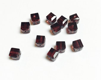Swarovski Cubes 6 MM Burgundy - 12 Pieces - CB001