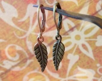 Vintage Leaf Earrings / Boho Earrings / Vintage Earrings / Leverback Earrings / Bronze Earrings