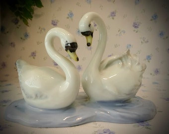 Vintage 1950's Porcelain Pair Of Swans