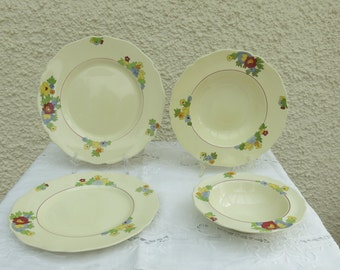 Art Deco Dinner Service by Royal Doulton - 16 Pieces