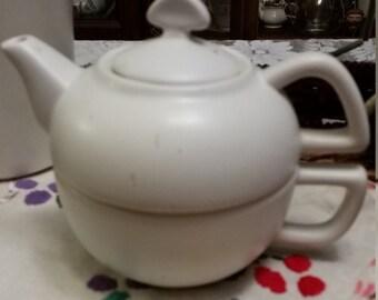 White 60's vintage Tea pot tea cup combo set