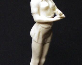 1:25 G scale model resin diner restaurant waitress