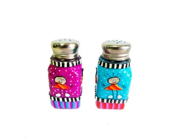 Set of Salt and pepper shakers , gift idea for mom,home gifts,serving,salt and pepper shaker, glass and polymer clay,whimsical salt shakers
