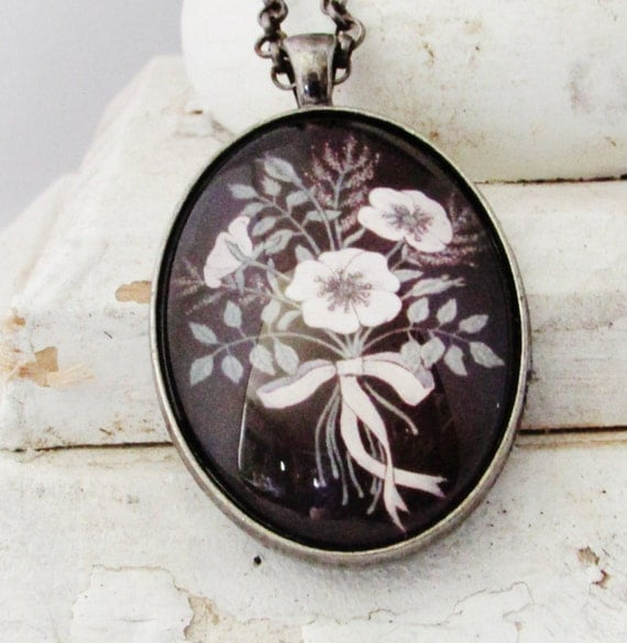 Necklace Flower Pendant - Floral Art Pendant - Gift for Mom - Gift for Woman - Victorian Style - Bohemian Jewelry - Christmas Gift