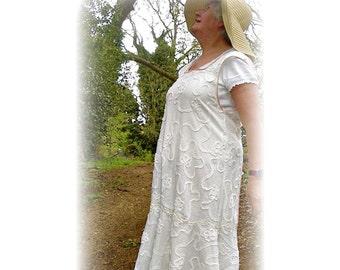 Flower Picking Pinny 1930s apron dress PDF pattern by Verity Hope - one size