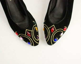 90s Vintage Black Velvet Rainbow Colored Bedazzled Gem Pumps / Gold Embroidered / Size US 8 / EU 39