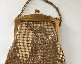 1940s Whiting Davis gold mesh evening bag - signed