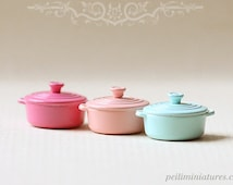 Dollhouse Miniature - Cast Metal Cooking Pot