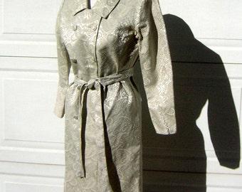 "Ivory Brocade Dress Damask CoatDress Vintage 60s Mother of the Bride or Honeymoon Elopement - Bust 40"""