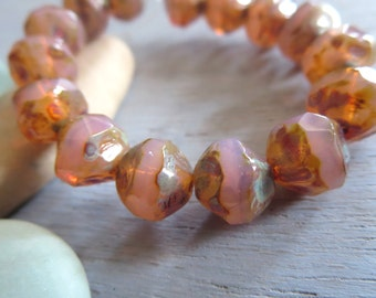 pink czech glass beads, central cut , baroque faceted bicone nugget shape, pink with picasso finish  8mm / 15 beads  6AZ1163