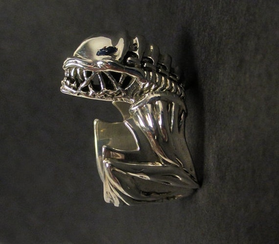 Alien ring - One of a kind - Sterling silver - Xenomorph