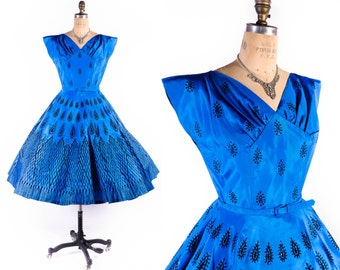 Vintage 50s Dress // 1950s Dress // Blue Dress // Flocked Dress // Party Dress // Full Skirt Dress // Prom Dress - sz S - 26 Waist