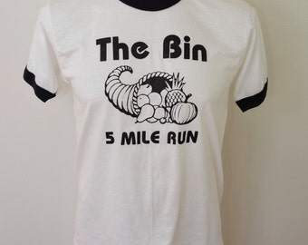 Vintage THE BIN Thanksgiving 5 Mile Run t-shirt usa large paper thin butter soft 80's ringer tee