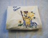 Towel with Embroidery, Honey Bee Towel, Queen Bee,  Embroidered Dish towel, Hand Embroidery, Kitchen Towel