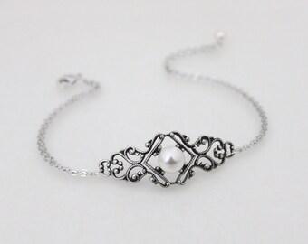Art Deco bracelet, Wedding bracelet, Bridal jewelry, Bangle bracelet, Bridesmaid bracelet, Vintage style bracelet, Bridal bracelet, Filigree
