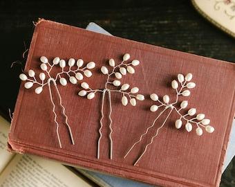 Pearl wedding hair pins, bridal pearl hair combs, wedding hair accessory, hair jewlery, bridal gift - style 136