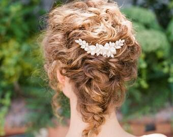"Asymmetric romantic pearl & crystal hair comb ""Marlow"""