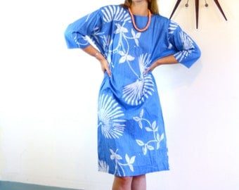 Vintage Blue Batik Kaftan Cotton Beach Cover Up Light Cornflower White Tropical Palm Frond Leaf Pattern Caftan Loungewear Made in Bahamas