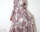 FINAL SALE Vintage dress / 1970's long white glittery paisley print / size S
