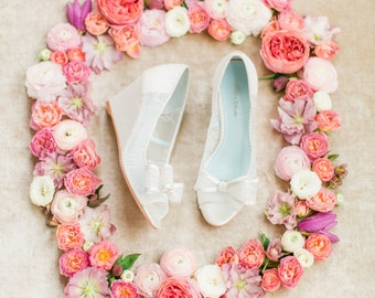 Elegant Regal Lace Wedding Wedge Shoes - Peep Toe Bridal wedge Pumps with Removable Bows Clips Bella Belle Winnie