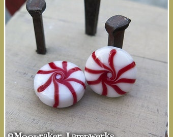 Red Starlight Peppermint Candy Holiday Lampwork Bead