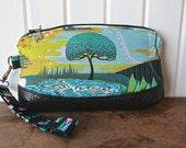 Clematis Wristlet in Anna Maria Horner Enchanted in Vibrant and black faux leather