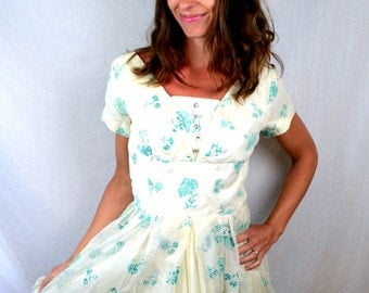 Vintage 1950s 50s Floral Print Sweetheart Party Dress