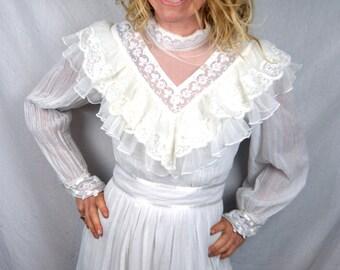 Vintage 1970s White Lace Gunne Sax Jessica McClintock Wedding Bridal Peasant Dress