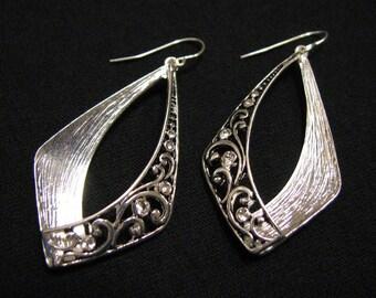 MINT Vintage Silver Plated Crystal Diamond Rhinestone Scrolled Filigree Teardrop Dangle Pierced Earrings