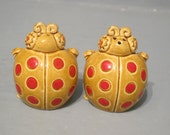 Vintage Ladybug Salt and Pepper Shakers / Adorable Lady Bug Ceramic Figurine, Beige & Red Cute Beetle Polka Dot Nature Inspired Kitchen NOS