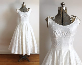 50s Wedding Dress / 1950s Floral Embroidered Polished Cotton Ivory Full Circle Skirt Wedding Dress