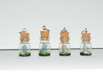 Super Tiny Zombie in a bottle. Terrarium scene. The walking dead. Horror film. gift for zombie nerds. Living dead, necklace. diorama