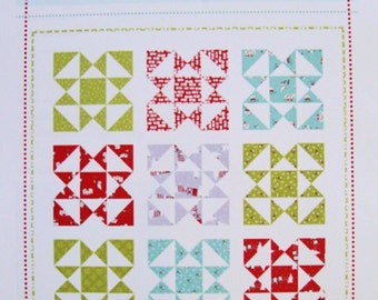 CLEARANCE - FESTIVE Quilt Pattern - Aneela Hoey - Fat Quarters Quilt Pattern - Modern Throw Quilt Pattern
