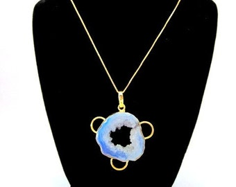 Unique Blue Pendant Necklace -- Blue Quartz Necklace -- Light Blue Pendant Necklace -- Blue Circle Necklace -- Blue Geode Necklace -- Druzy